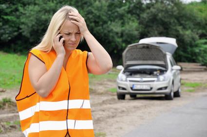 Bei einer Autopanne können auch andere helfen | © Dan Race - Fotolia.com
