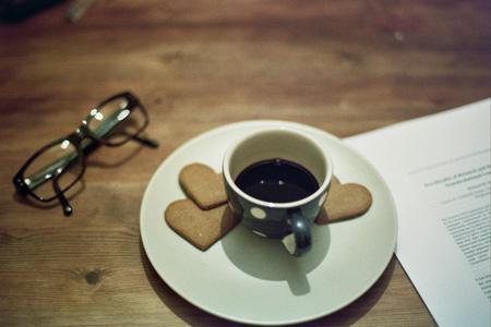 Kaffee gehört zum Büro | Foto: Andrea Di, 50Stock.com, CC0 Public Domain