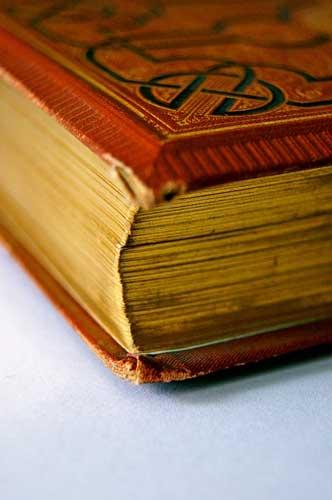 Buch mit Goldschnitt | Foto: weinstock, pixabay.com, CC0 Creative Commons