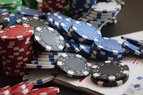 Glücksspiel | Foto: BootstrapGiver, pixabay.com, CC0 Creative Commons