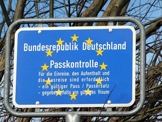 Schild Passkontrolle | Foto: geralt, pixabay.com, CC0 Creative Commons
