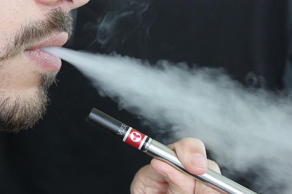 E-Zigarette | Foto: lindsayfox, pixabay.com, Pixabay License