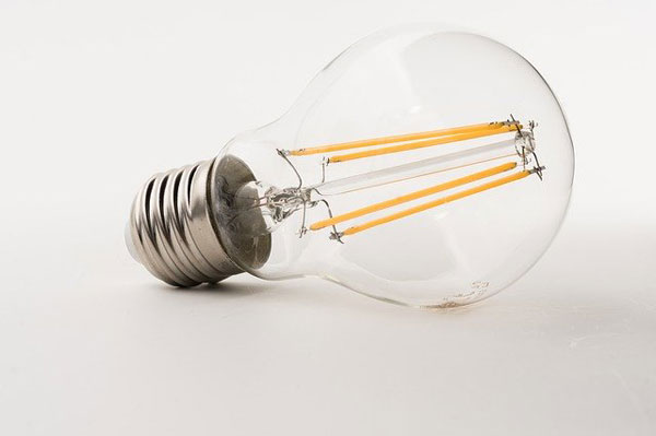Energiesparlampe | Foto: Bru-nO, pixabay.com, Pixabay License
