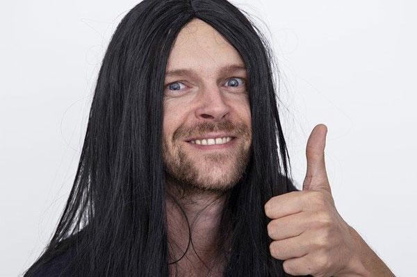 Mann mit langen Haaren | Foto: Sammy-Williams, pixabaPixabay Licensey.com,